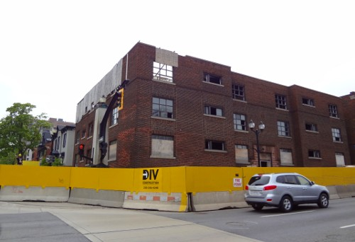 275 King Street Hess under renovations (RTH file photo)