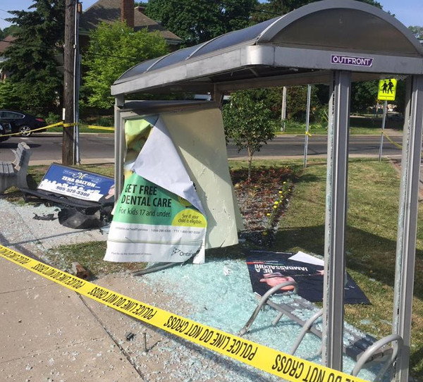 Aberdeen and Queen bus shelter destroyed on may 28, 2016 (Image Credit: Maureen Wilson)