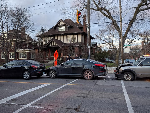Five-car collision at Aberdeen and Kent on December 6, 2017