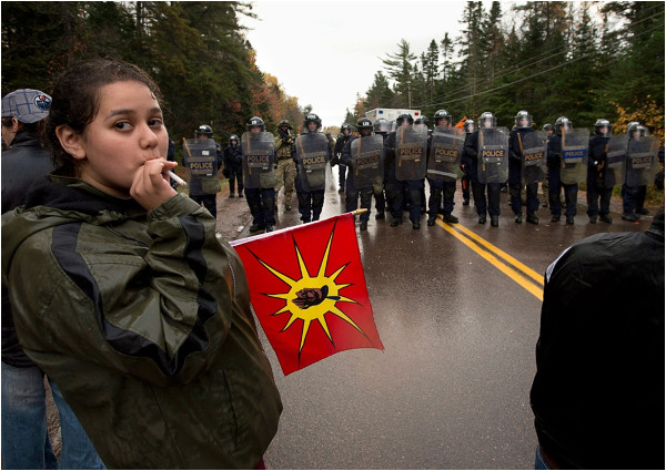 Elsipogtog, near Rexton, New Bunwick, Oct 17, 2013. Image: Andrew Vaughan, Canadian Press via The Globe and Mail.
