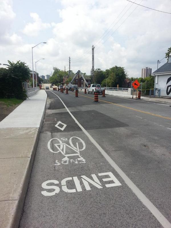 Bike lanes on Bay Street CN Rail overpass (RTH file photo)