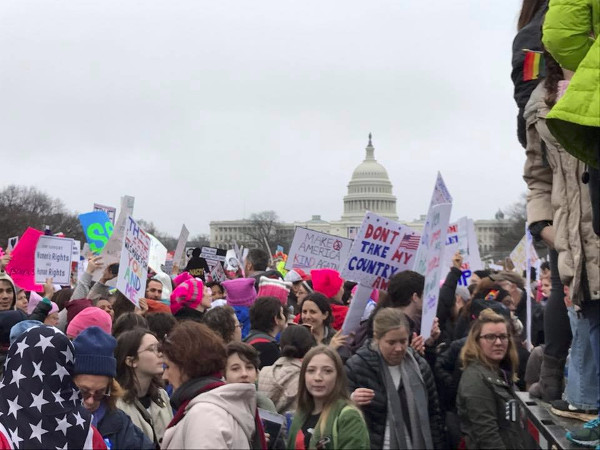 Womens March protesters with Capitol Building in background (Image Credit: Beth Blake)