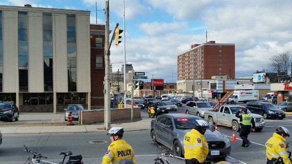 Traffic blocked on Wellington Street at Main (Image Credit: Sean Burak)