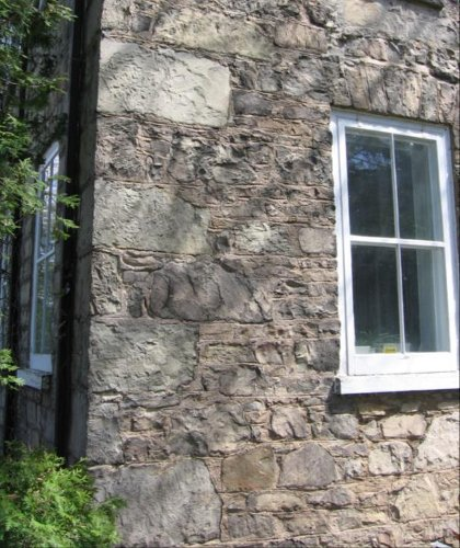 Figure 11: Detail of the rough masonry in the Veevers house: the stone is Whirlpool sandstone.
