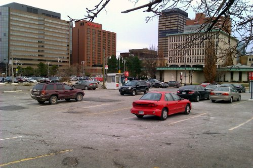 Half-empty parking lot at Main and Bay (RTH file photo)