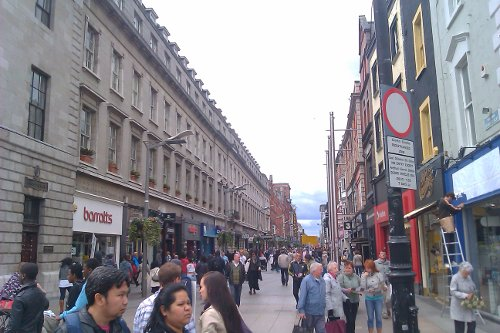 North of the Liffey, the pedestrianized Henry Street runs west from O'Connell Street