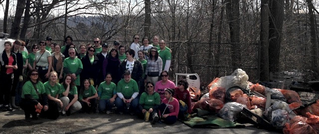 Escarpment Project volunteers