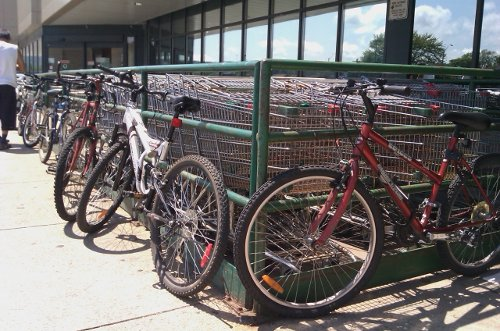 Bicycles parked in front of a grocery store (RTH file photo)