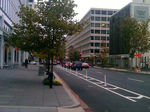 Left curb cycle track separated by knockdown sticks (Image Credit: Greater Greater Washington)