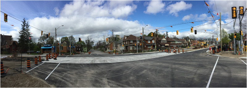 Intersection with LRT crossing – which is likely very similar to parts of Hamilton LRT (Image Credit: Mark Rejhon)