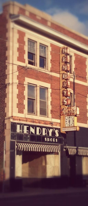 Hendry's Shoes on Barton Street