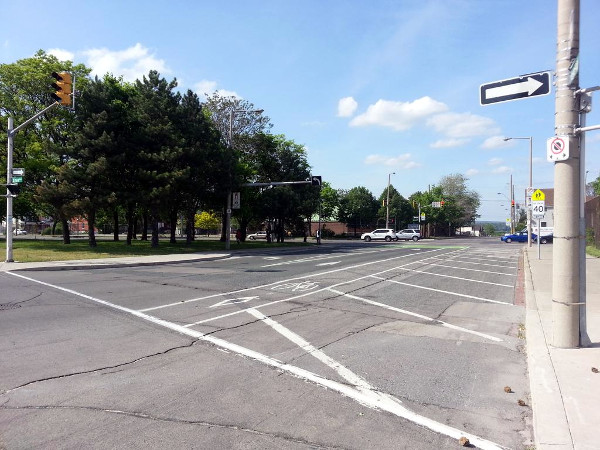 Hashed-off lane on Hess between York and Cannon (RTH file photo)