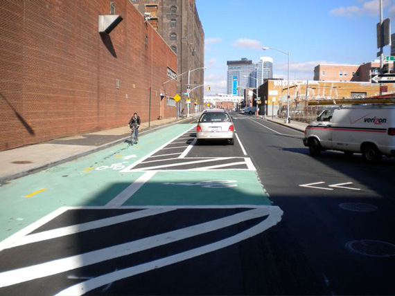 Kent Avenue bike box, Brooklyn (Image Credit: Streetsblog)
