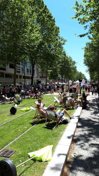 La Fête des Tuiles: a celebration of community and environmental groups on the Grenoble LRT lines last June