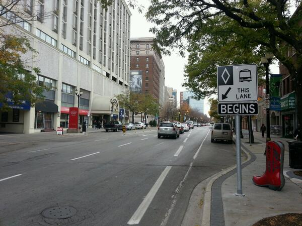 Bus only lane at King and Mary (RTH file photo)