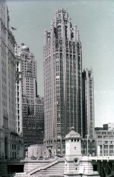 Fig. 2. Chicago Tribune, Chicago, Illinois. Architects: Hood and Howells (1924).