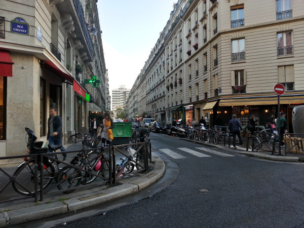 Bicycles parked at Rue Paul Bert and Rue Chanzy