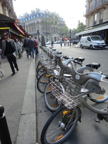 1,800 Vélib' stations are scattered across the city