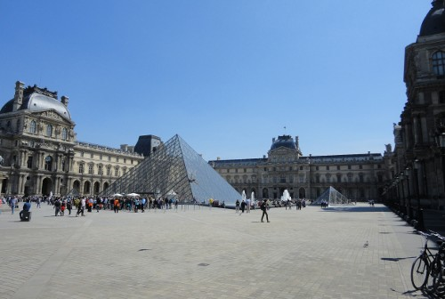 Louvre Courtyard, Paris (RTH file photo)