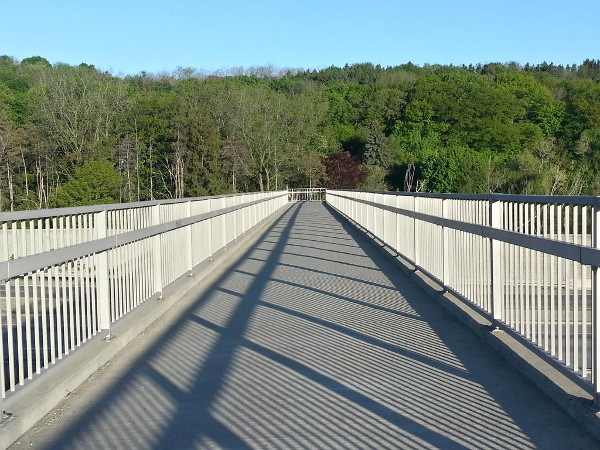 Radial Trail footbridge over Highway 403