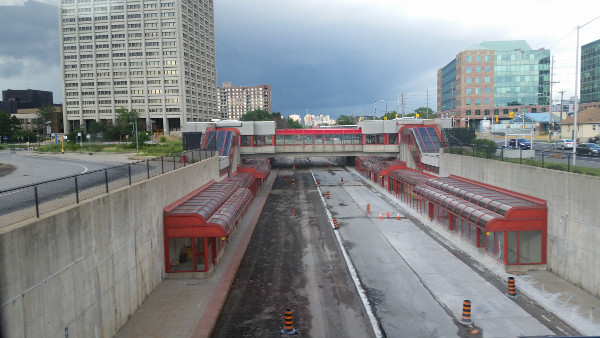 West end of Tunney's Pasture Transitway Station looking east just after closure, June 24, 2016 (Image Credit: Skyscraper Page)