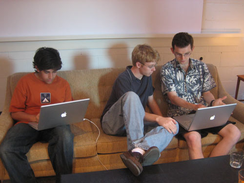 Aaron Swartz (L), Steve Huffman and Zak Stone at Y Combinator in 2005 (Image Credit: Wired)