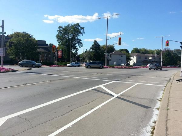 Bike lane on York at Dundurn: no obvious way to turn left (RTH file photo)